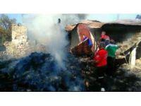 Komşuya ekmek yapımına giden kadının evi yandı
