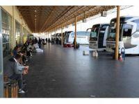 Diyarbakır'da sigortasız çalıştırılan muavinler iş bıraktı