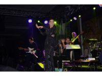 Yıldız Tilbe İzmir'de konser verdi