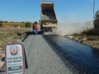 Ceylanpınar kırsalında sathi asfalt çalışması