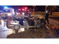 Otomobil tıra çarptı: 2 ölü, 2 ağır yaralı