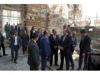 Başbakan Yardımcısı Çavuşoğlu, Enez Kalesi'ni inceledi