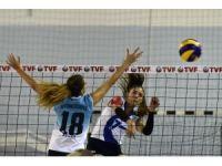 Bayanlar Voleybol 1. Lig: Gümüşhane Belediyesi Gençlerbirliği: 3 - Anadolu Üniversitesi: 1