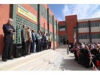 Suriye'deki iç savaşta ağır hasar gören okullar Türk STK'lar tarafından onarıldı