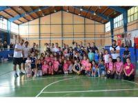Bozüyük Belediyesi İdman Yurdu Spor Bayan Voleybol Takımı:3 İnegöl Çarşı Spor:0