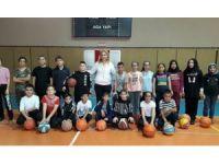 Kış spor okulları heyecanı başladı