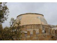 Dünyanın ilk astronomi okulunun kubbesi rutubetten çürüdü