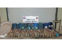 Yüksekova'da bin litre aseton maddesi ele geçirildi
