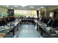 Edremit AK Parti'nin yeni yönetimi basına tanıtıldı