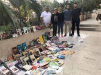 Selden zarar gören kütüphaneyi birlikte kurdular