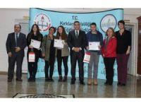Kitap okuma yarışmasında dereceye giren öğrenciler ödüllendirildi