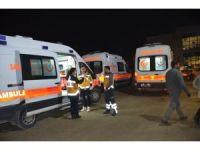 Iğdır'da kaçak göçmenleri taşıyan minibüs devrildi: 26 yaralı