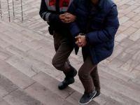 Manisa'da FETÖ operasyonu: 3 tutuklama