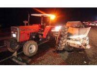 Traktöre arkadan çarptı: 2 yaralı