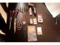 Silah ve uyuşturucu taşıyan 5 şahıs yakalandı