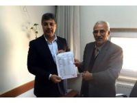 AK Parti İlçe Başkanı Gül mazbatasını aldı
