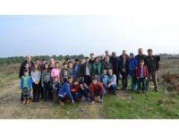 Öğrenciler Fıstık Çamı dikti