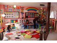 Diyarbakır'daki bu okulda öğrenciler eve gitmek istemiyor