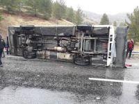 Elazığ-Diyarbakır yolunda midibüs devrildi: 3 ölü, çok sayıda yaralı
