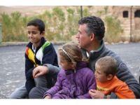 Çocuklar Feyzioğlu'nu Mardin'den şarkılarla uğurladı