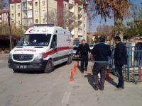 Polis merkezi bahçesindeki tartışma kanlı bitti: 2 yaralı