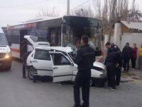 Otobüsle otomobil çarpıştı, 1 kişi hayatını kaybetti