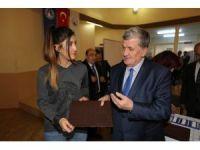 Sosyal hizmet öğrencilere kabartma tablet dağıtıldı