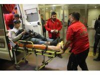 Motosikletten düşen genç yaralandı