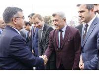 Başkan Yiğit Bakan Yılmaz'dan yurt istedi