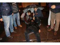Zonguldak'ta kontrolden çıkan motosiklet otomobile çarptı: 1 yaralı
