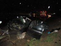 TEM'de otomobil kayganlaşan yolda kontrolden çıktı: 1 ölü, 4 yaralı