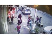 Türk Bayrağını öpmeden okula gitmiyorlar