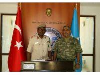 Somali Genelkurmay Başkanı Gorod, Türk Görev Kuvvet Komutanlığını ziyaret etti