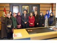 AK kadınlardan Oral'a ziyaret