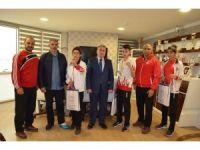 Balkanların altın tekmelerine kutlama