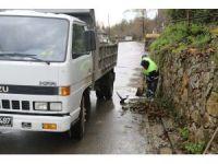 Yağmur suyu kanalları temizleniyor