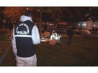İzmir'de parkta oturan bir kişi infaz edildi