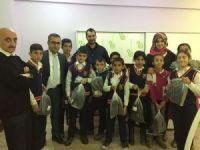 Hakkari'de 600 öğrenciye kışlık ayakkabı desteği