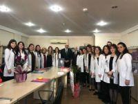 Başkan Kayda'dan meslektaşlarına çiçekli kutlama