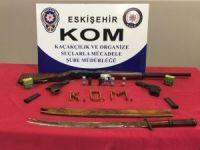 Eskişehir'de yakalanan 9 kişiden adeta cephanelik çıktı