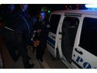 Alkollü sürücü kırmızı ışıkta bekleyen araca arkadan çarptı: 2 yaralı