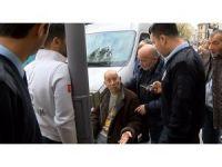 Ünlülerin müzisyeni Muammer Amca'ya Ortaköy'de otomobil çarptı