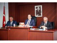 Vali Ali Hamza Pehlivan İl Genel Meclisini ziyaret ederek toplantıya katıldı