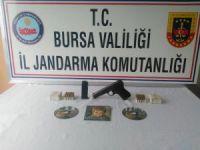 PKK propagandası yapan şahsın evinden FETÖ dergileri çıktı