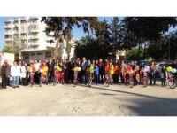 Silifke'de çocuklara bisiklet dağıtıldı
