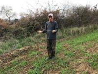 Çatal çubukla yer altı su kaynaklarını buluyor