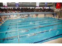 Yüzme sporunun geleceği Alleben'de kulaç attı
