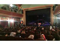 Pursaklarlı kadınlar tiyatronun keyfini çıkarttı