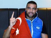 Kemerini Cumhurbaşkanı Erdoğan'a hediye eden Dünya Şampiyonu, Türkiye'de ringe çıkmak istiyor