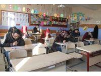 Silopi'de aday öğretmenlere yönelik deneme sınavı